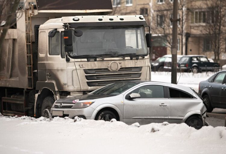 San Angelo, TX – Truck Crash on Houston Harte Freeway Leaves Woman Injured